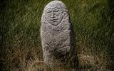 Kein Hinkelstein, sondern ein Balbal. Uralter Grabstein der Turkvölker.