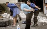 Experten am Werk beim ersten Reparaturversuch