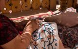Susani-Stickerei - typisch für Usbekistan: Seide auf Baumwolle