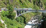Da wollen wir rüber! Die Friendship-Bridge, über die die Grenzlinie verläuft.