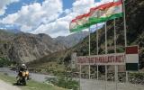 Die autonome Provinz Berg-Badachschan hat nochmal sieben Unter-Provinzen. Die Erlaubnis zum Durchfahren gibt es ohne Probleme für vier Euro zusätzlich zum Visaantrag dazu.
