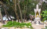 Tempelbezirk am Strand von Ao Nang.