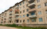 Der Sowjeteinfluss ist allgegenwärtig, sogar in manchen Dörfern findet man die hässlichen Plattenbauten.